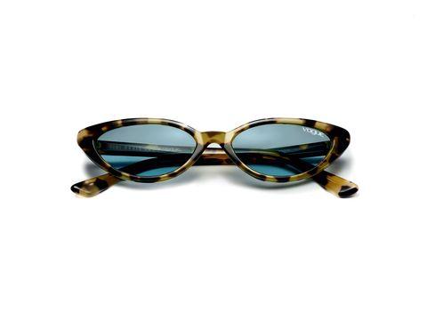 93622be263 Gli occhiali da sole per la primavera estate sono sottili