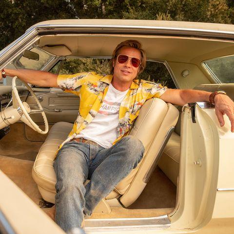 Vehicle, Sunglasses, Vehicle door, Automotive exterior, Goggles, Automotive window part, Car seat, Steering wheel, Trunk,