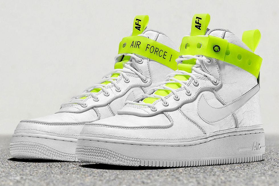 Here's How the Air Force 1 Was 2017's Hottest Retro Sneaker