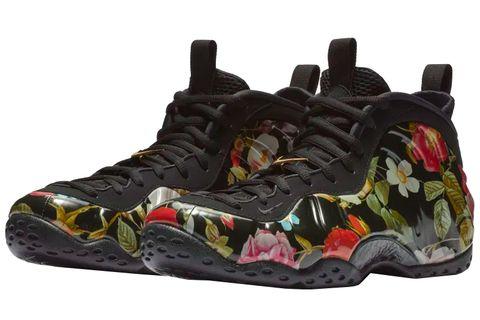 Footwear, Shoe, Black, Outdoor shoe, Sneakers, Basketball shoe, Hiking boot, Athletic shoe, Camouflage, Sportswear,
