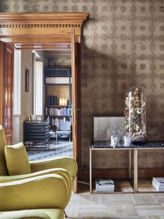 Leather Design Reggio Emilia.The Best Of Design Finds Its Home In This Italian Apartment