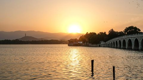 Sky, Body of water, Water, Sunset, Sun, Afterglow, Horizon, Sunrise, Lake, Morning,