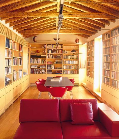 panorámica de la biblioteca, ubicada en el piso superior