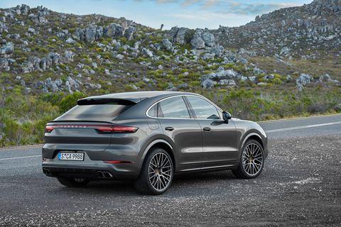 Land vehicle, Vehicle, Car, Automotive design, Motor vehicle, Luxury vehicle, Mid-size car, Sport utility vehicle, Executive car, Rim,