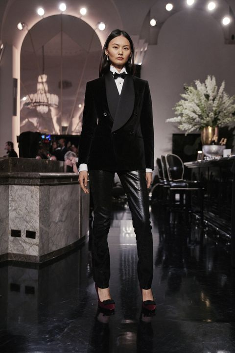 Suit, Clothing, Fashion, Formal wear, Tuxedo, Outerwear, Architecture, Blazer, Event, Photography,