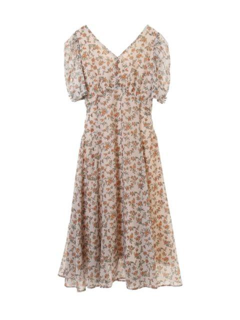フェミニンな気分を満喫できる小花柄ドレス