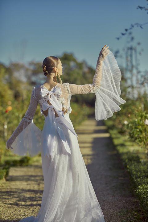 ミラーミラーの個性派ドレス