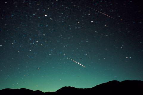 11月18日の未明~明け方:しし座流星群