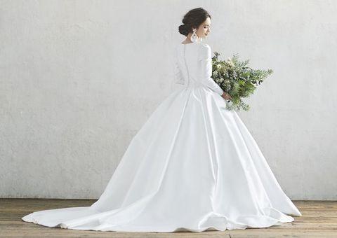 エーバイハツコエンドウの白ドレス