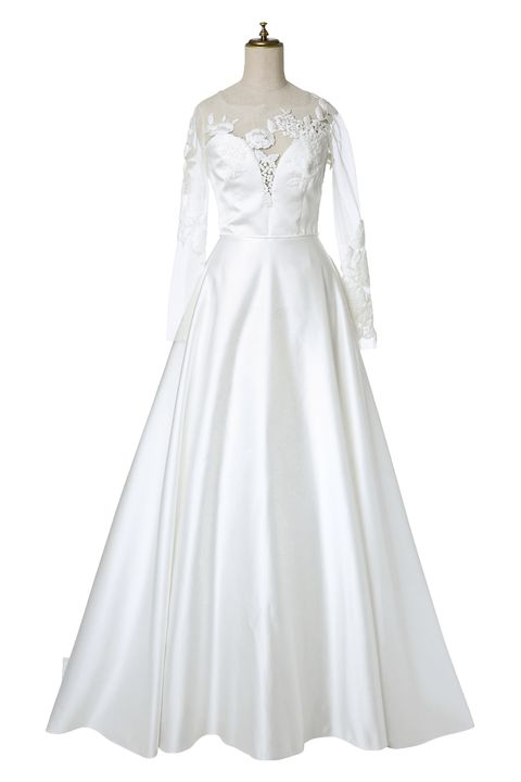 Clothing, Dress, Sleeve, Textile, White, One-piece garment, Gown, Formal wear, Style, Bridal clothing,