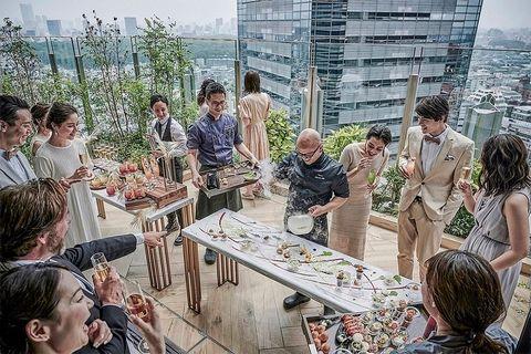 『キンプトン新宿東京』のソーシャルスペース、テラス