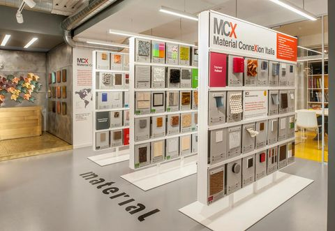 Interior design, Ceiling, Floor, Flooring, Exhibition, Collection, Space, Art gallery, Art exhibition, Museum,