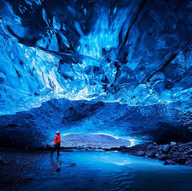 mendenhall ice caves in alaska
