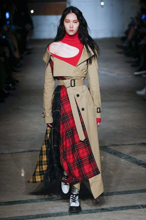 Fashion, Clothing, Fashion model, Fashion show, Runway, Tartan, Pattern, Coat, Fashion design, Design,