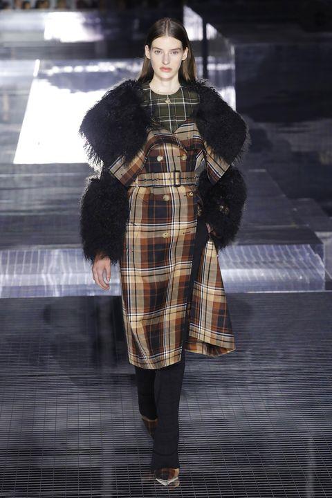 Fashion, Tartan, Fashion model, Clothing, Plaid, Fashion show, Pattern, Runway, Fur, Textile,