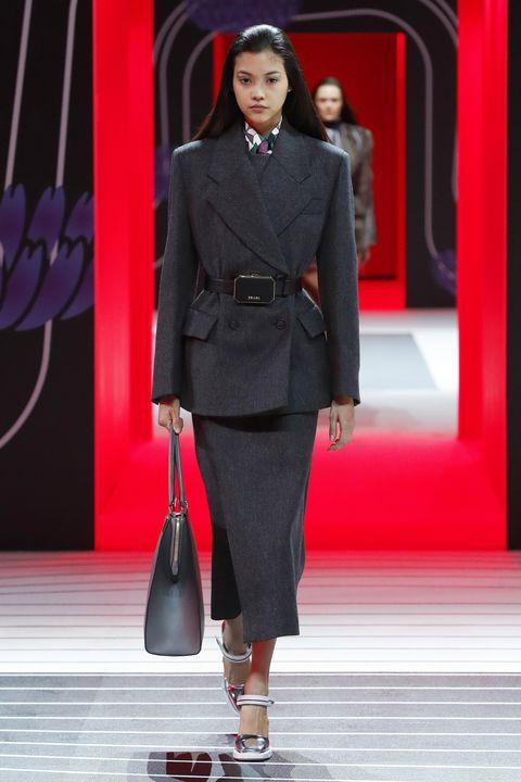 Fashion, Fashion model, Clothing, Runway, Fashion show, Formal wear, Suit, Haute couture, Outerwear, Footwear,