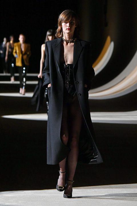 Fashion model, Fashion, Clothing, Fashion show, Runway, Outerwear, Dress, Haute couture, Street fashion, Fashion design,
