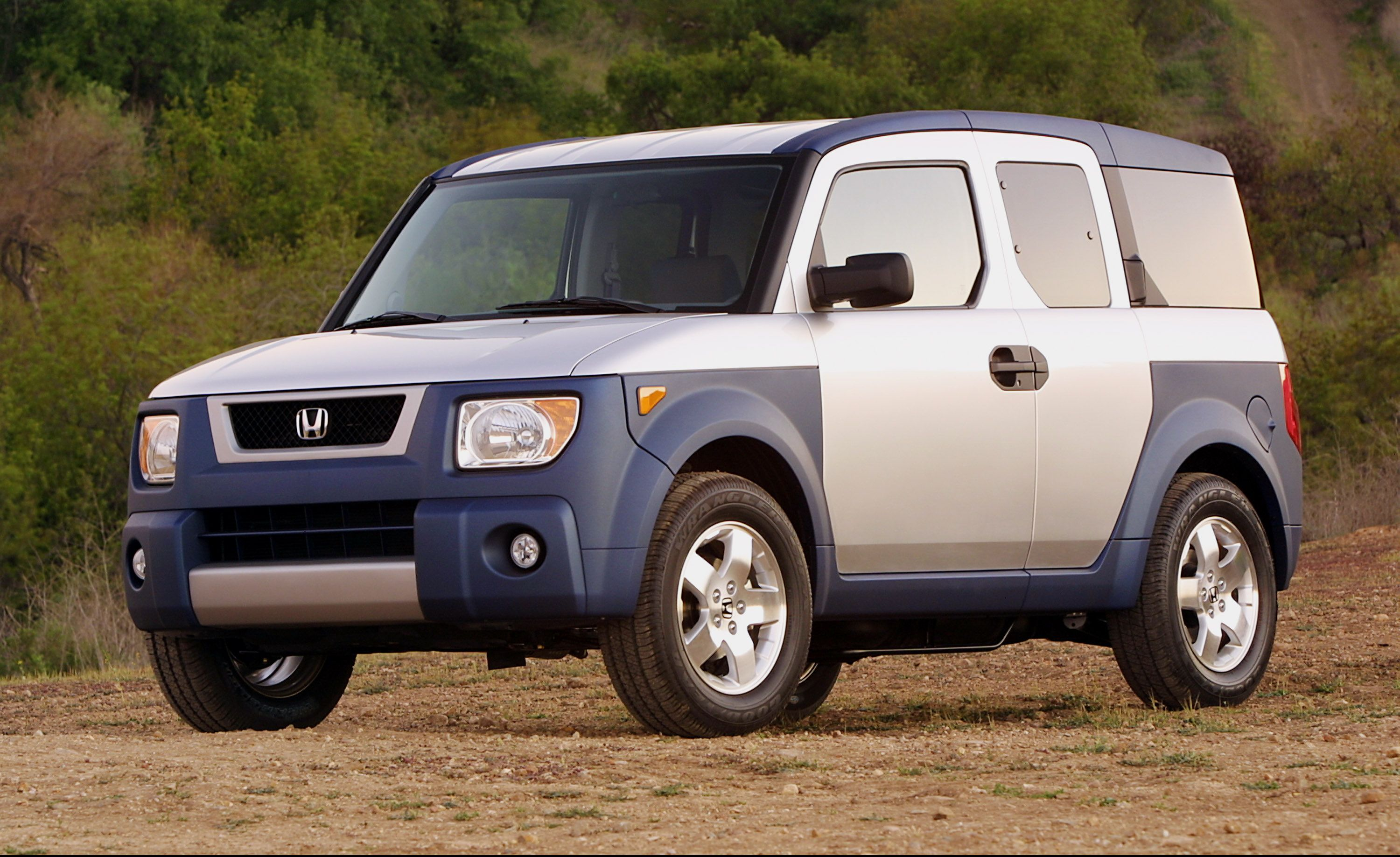 Honda Element (2003–2011) The Honda Element seemed to be inspired by Picasso's Figure dans un Fauteuil, but it's no exercise in Cubism. Instead, it looks like a mail truck got busy with a Honda CR-V—actually, that's not far from the truth, as this relentlessly rectilinear SUV was based on the un-weird CR-V crossover.