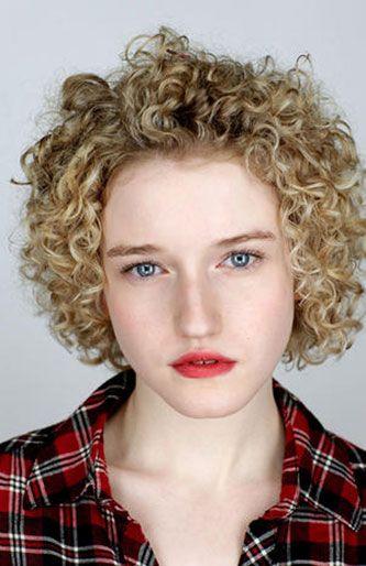 Plaid, Lip, Hairstyle, Chin, Forehead, Pattern, Eyebrow, Tartan, Ringlet, Collar,