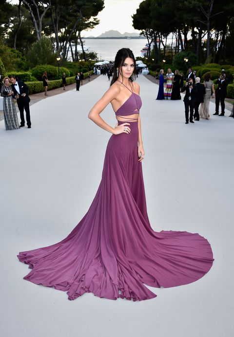 Gown, Fashion model, Dress, Clothing, Shoulder, Fashion, Purple, Haute couture, Formal wear, Pink,