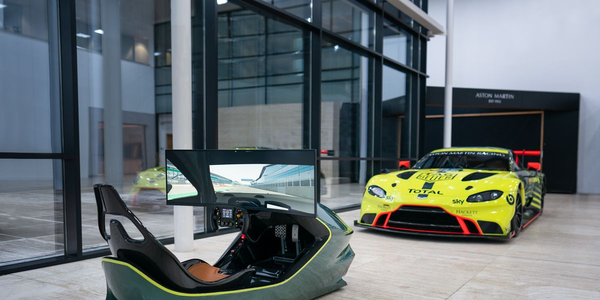 Track Day With Aston Martin S 80 000 Simulator Eminetra