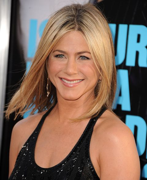 Hair, Face, Hairstyle, Blond, Eyebrow, Beauty, Layered hair, Chin, Long hair, Surfer hair,