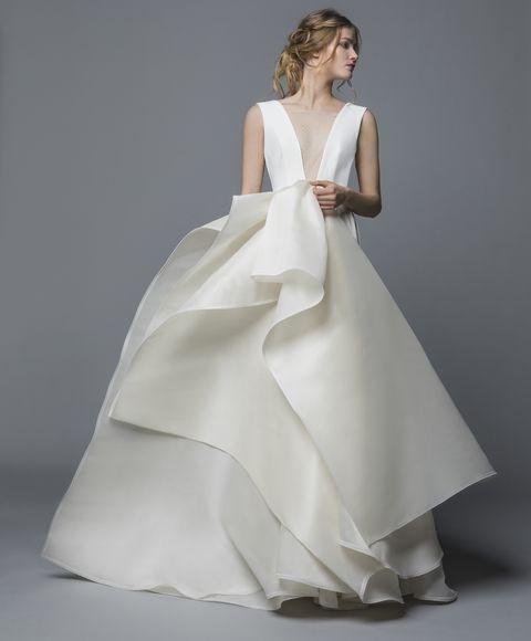 フェリーチェヴィータ×ベリッシマの構築的ドレス