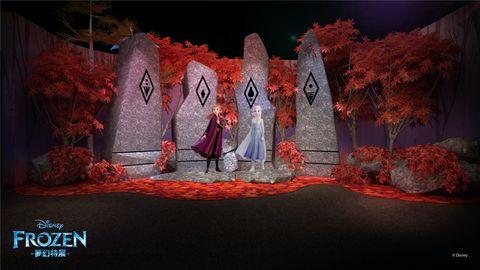 「冰雪奇緣夢幻特展」華麗登台!真實還原電影場景、艾莎換上全新造型⋯5大亮點攻佔你的少女心