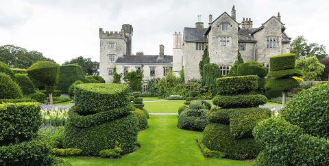 Green, Estate, Property, Garden, Building, Grass, Château, Castle, Shrub, House,