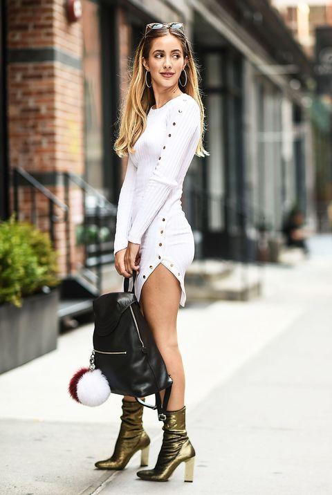 a535b2fec849 Moda estate  un vestito bianco e oro ti trasforma in una dea