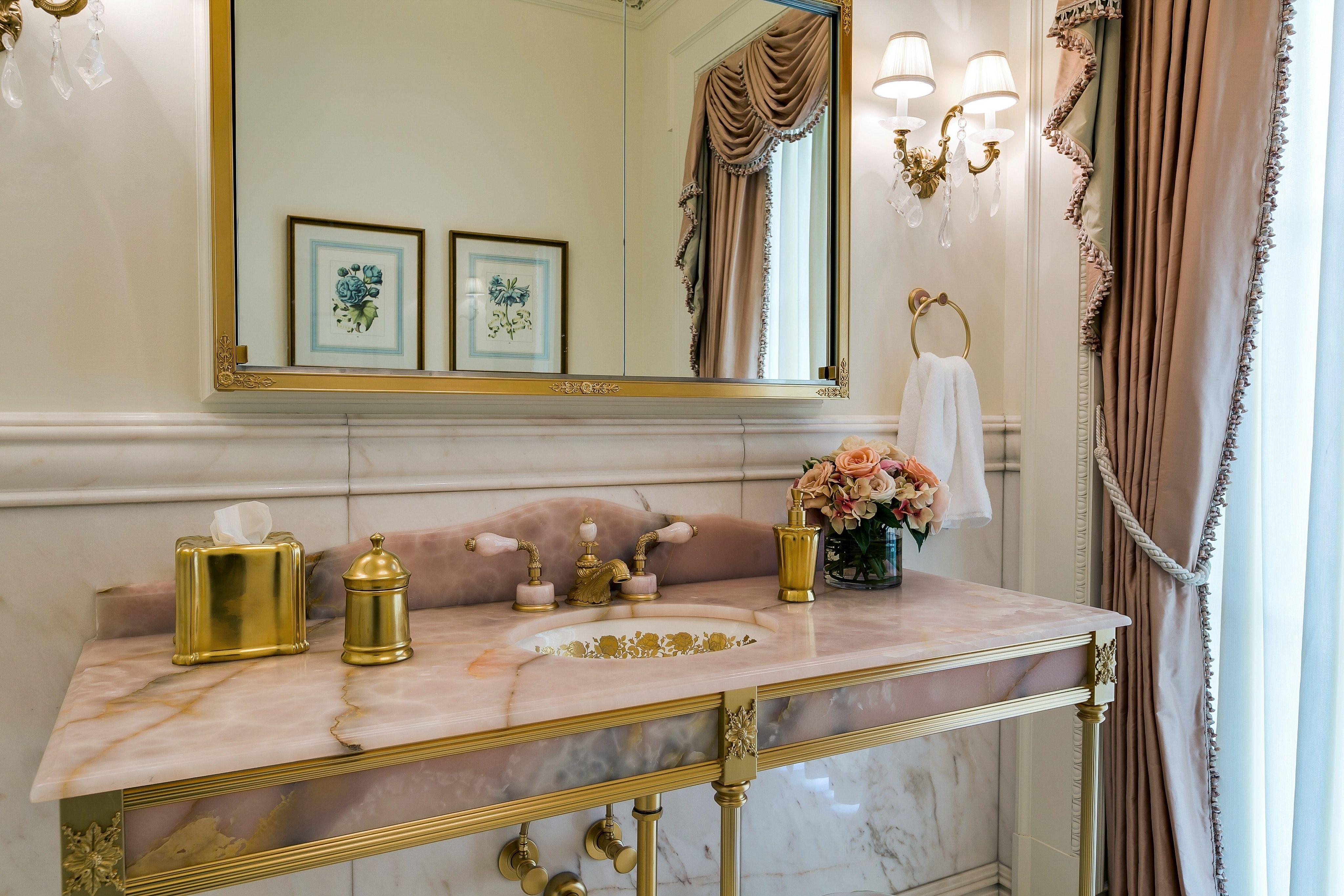Versailles Mansion Long Island