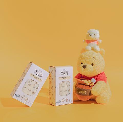 是小熊維尼口罩!滿版小熊維尼、跳跳虎、小豬壓紋,經典黃色滾邊戴起來太可愛了