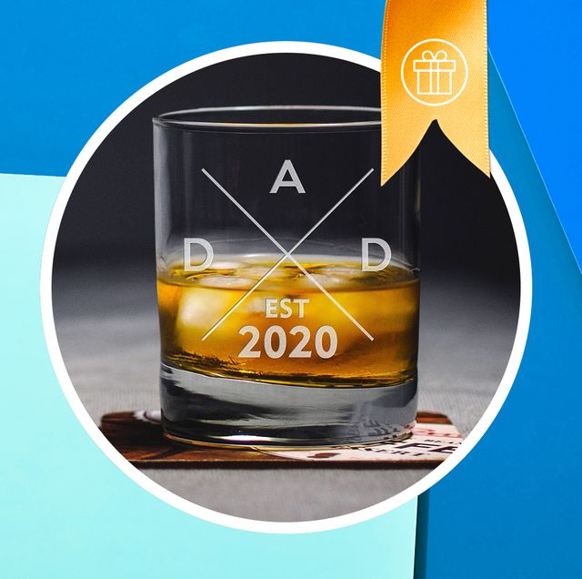 Old fashioned glass, Drink, Drinkware, Barware, Glass, Mug, Liquid,