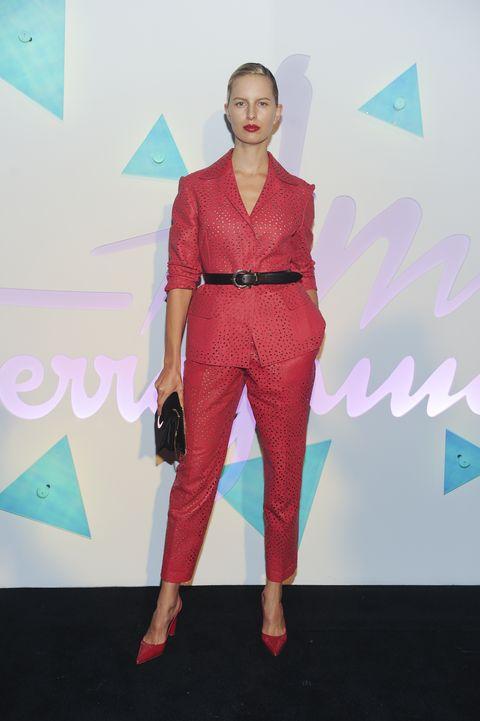 Clothing, Fashion show, Fashion, Runway, Pink, Fashion design, Fashion model, Shoulder, Carpet, Red carpet,