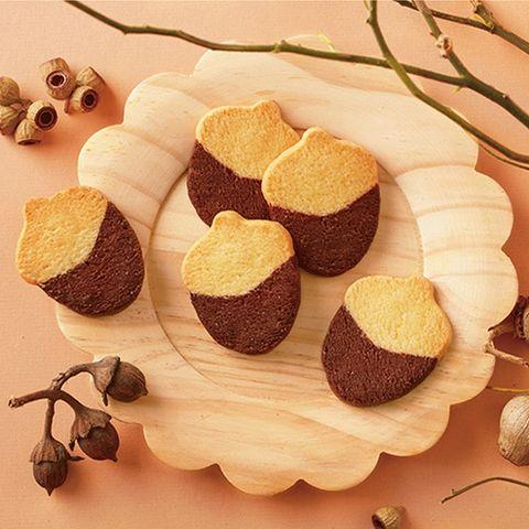 不想再吃月餅?2021中秋最適合送禮的「特殊禮盒」推薦,鹹蛋黃酥塔、時髦餅乾禮