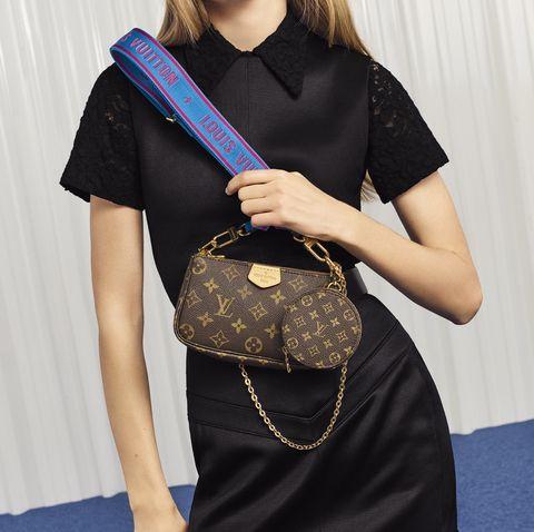 LOUIS VUITTON最強小包包誕生!空間不夠不擔心 背帶直接掛上小零錢包 超狂設計簡直就是女孩們的命定小包!!