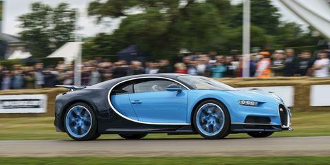 Land vehicle, Vehicle, Car, Bugatti veyron, Bugatti, Automotive design, Supercar, Sports car, Luxury vehicle, Performance car,