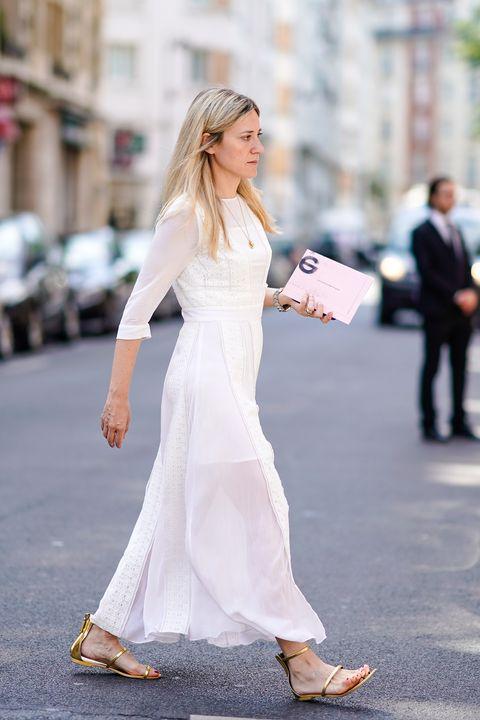 brand new 0c0b1 2b309 Moda estate: un vestito bianco e oro ti trasforma in una dea