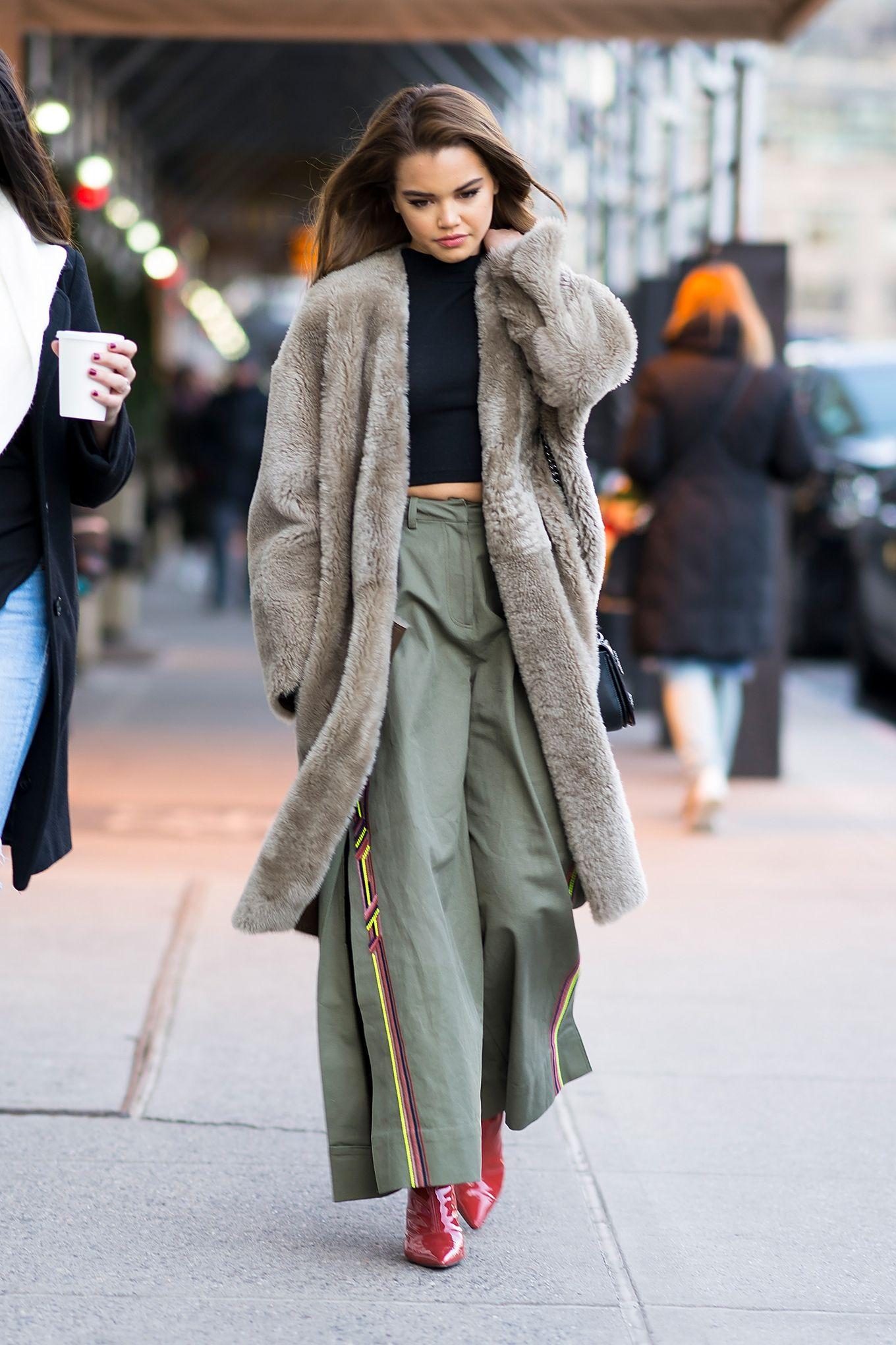 Ecco i pantaloni moda 2018 con i modelli donna di tendenza, guarda le  immagini della