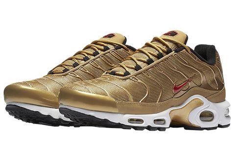 Shoe, Footwear, Outdoor shoe, Running shoe, Sportswear, Brown, Product, Hiking shoe, Walking shoe, Sneakers,