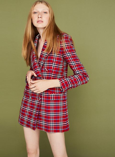 Plaid, Clothing, Tartan, Pattern, Blond, Fashion, Design, Long hair, Shoulder, Textile,