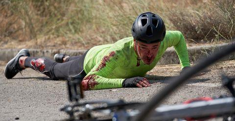 Unos ciclistas y el hombre que los atropella acaban en el 'Hospital Valle Norte'