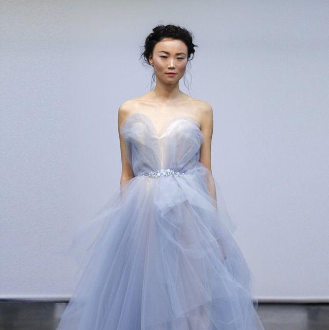アンテリーベのニュアンスカラードレス