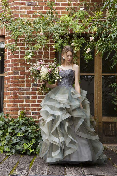 イノセントリーのクールカラードレス