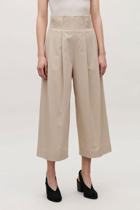 Clothing, Khaki, Beige, Pocket, Waist, Trousers, Suit trousers, Leg, Khaki pants, Knee,