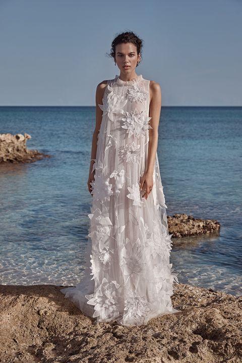 9f10fac35e 14 Best Beach Wedding Dresses for 2018 - Top New Boho Bridal Trends