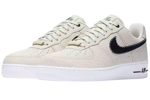 Shoe, Footwear, White, Sneakers, Walking shoe, Outdoor shoe, Product, Sportswear, Skate shoe, Athletic shoe,
