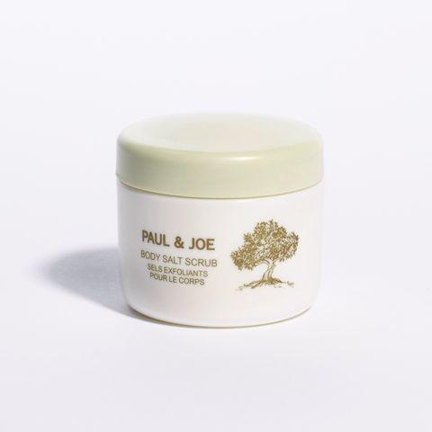 White, Product, Cream, Cream, Dairy, camomile, Skin care,