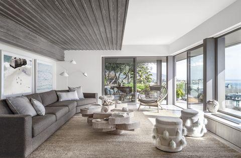Living room, Interior design, Room, Property, Building, Ceiling, Furniture, House, Home, Floor,