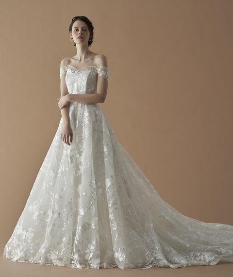フェリーチェヴィータベリッシマの肩見せドレス